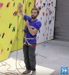 Alligator Belay Technique by howcast